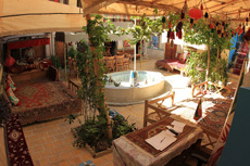 Golshan Traditional Hostel in Shiraz - Budget Hotel in Shiraz